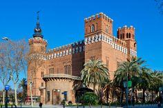 Castillo de los Tres Dragones, construido a finales del siglo XIX.
