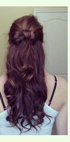 Cool Simple Hairstyle for a Party