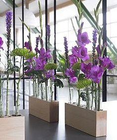 [vases]  ...