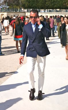 Cortina Style, Round 2! Round 1, here!  Classic combo Double Breasted Blazer x White Pants!
