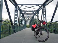 uli-e-cycle le long de la voie verte Trans-Ardennes de Charleville-Mézières à l'Abbaye d'Orval: Tour de France à vélo électrique ! #velo #bicyclette #veloelectrique #ebike #vae #tourdefrance #cyclingtour #cyclotourisme #RestartCycleTourism #champagneardennes #ardennes #TransArdennes #mezieres #CharlevilleMézières #sedan #juli_e_cycle #velafrica
