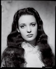 """Here she is again.  Linda Darnell reminds me of my sweet daughter.  (We use to say that my daughter looked like an """"old-fashioned"""" girl.  Then one day, when she was about 3, she started calling herself """"fashion girl.""""  We couldn't figure out where she got that term, and then it dawned on us she got it from us calling her an old-fashioned girl!)"""