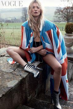 Kate Moss presta homenagem aos Rolling Stones na Vogue britânica
