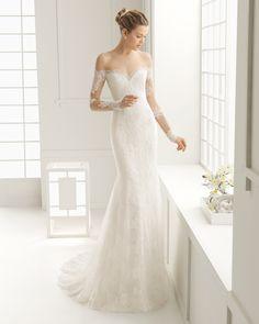 DORE vestido de novia en encaje rebrodé y chantilly.