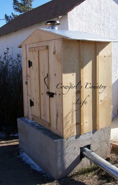 Building a cold smoker (smokehouse)