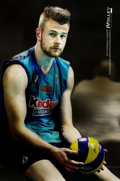 Ivan Zaytsev - my love Volleyball Photos, Female Volleyball Players, Best Background Images, Boy Photos, Man Crush, Beautiful Boys, My Idol, Handsome, Meet