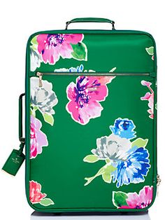 cleverly designed to maximize capacity while still fitting snugly in the overhead compartment, our international carry-on is the ideal suitcase for your upcoming trips, whether you?re headed to rio, riyadh or rome. spacious enough for a four-day weekend (or, if you?re a light packer, an even longer jaunt), it?s also stylish and, in our durable woven nylon, sturdy enough to make trip after trip.