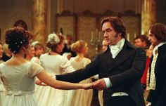 Keira Knightley as Elizabeth Bennet and Matthew Macfadyen as Mr Darcy in Pride and Prejudice (2005).