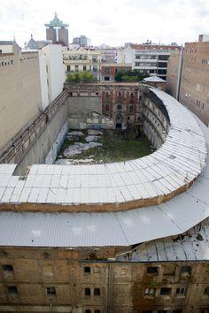 ¿Volverán los pelotaris al Beti-Jai? Foto Madrid, Abandoned, Photos, War, Cities, Places, Left Out, Pictures, Ruin