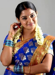 Nikhila Vimal is an Indian actress, born to Pavithran and Vimaladevi in Kannur, Kerala. Actress Nikhila Vimal biography, images and upcoming movies. South Indian Actress Photo, Indian Actress Hot Pics, Indian Actresses, Indian Natural Beauty, Indian Beauty Saree, Indian Sarees, Beautiful Girl Indian, Most Beautiful Indian Actress, Beautiful Girl Quotes