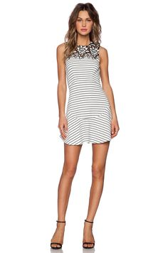 White Sleeveless With Hollow Lace Striped Dress