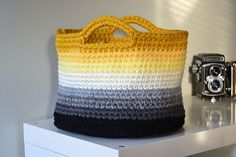 DIY: ombre basket with #crochet pattern.