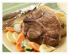 Broiled Pork Chops with Vegetable Medley and Cinnamon Apples - Pork Recipes - Pork Be Inspired Healthy Pork Recipes, Pork Chop Recipes, Apple Recipes, Real Food Recipes, Yummy Food, Queens Food, How To Cook Beef, Crock Pot, Ale
