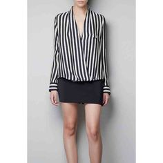 Black White Deep V Neck Long Sleeves Striped Blouse (1.535 RUB) ❤ liked on Polyvore featuring tops, blouses, black and white blouse, striped top, deep v neck blouse, stripe top and long sleeve blouse
