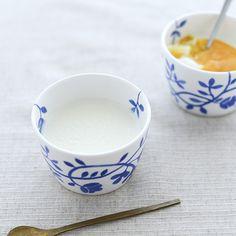 なかしましほさんに教わる定番おやつ#4「杏仁豆腐」foodmood店主で料理家の、なかしましほさんに教わる定番おやつ、4つめは「杏仁豆腐」です。さっぱりとしたやさしい味わいの杏仁豆腐は、これからの季節
