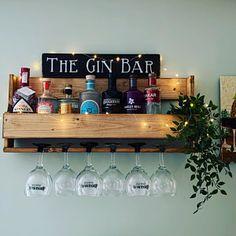Cocktail Bar Interior, Home Cocktail Bar, Cocktail Bar Design, Mobile Cocktail Bar, Mini Bar At Home, Diy Home Bar, Home Pub, Small Bars For Home, Wall Mounted Bar