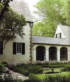 """""""Boxwood"""" - Atlanta (Buckhead) GA Architecture by Phillip Trammell Schutze, 1929 Exterior Design, Interior And Exterior, Breezeway, Architecture Details, Porches, My Dream Home, Curb Appeal, Beautiful Homes, Beautiful Images"""