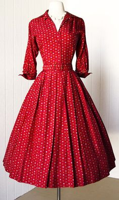 1950s / BlackCupcakeKitty This dress reminds me of Lucille Ball.  Talk about a great comedian.