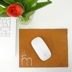 Make your own leather mousepad in a few easy steps!! (in German)