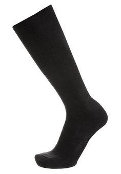 ¡Consigue este tipo de calcetines hasta la rodilla de Falke ahora! Haz clic para ver los detalles. Envíos gratis a toda España. Falke AIRPORT Calcetines hasta la rodilla anthrazit: Falke AIRPORT Calcetines hasta la rodilla anthrazit Ropa   | Material exterior: 60% lana, 23% algodón, 15% poliamida, 2% elastano | Ropa ¡Haz tu pedido   y disfruta de gastos de enví-o gratuitos! (calcetines hasta la rodilla, knee, rodillas, kniestrümpfe, calcetas deportivas, chaussettes aux genoux, calzini ...