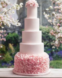 We Adore These Artsy Wedding Cakes. To see more: http://www.modwedding.com/2014/01/21/we-adore-these-30-artsy-wedding-cakes/ #wedding #weddings #cakes