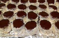 Fincsi receptek: Kókuszos sütik Cheesecake, Mini, Food, Pies, Romanian Recipes, Cheese Pies, Cheesecakes, Meals, Yemek