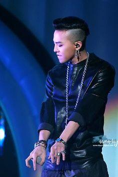 G Dragon --- 130302 BIGBANG @ Samsung Blue Festival in Nanjing, China
