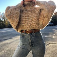 Waist Jeans fall Fall outfit ideas, cream chunky knit sweater with high waist jeans. Fall outfit ideas, cream chunky knit sweater with high waist jeans. Easy and casual warm winter look Casual Winter Outfits, Winter Fashion Outfits, Classy Outfits, Fasion, Autumn Winter Fashion, Vintage Outfits, Winter Outfits For Teen Girls Cold, Summer Outfits, Fashion Ideas