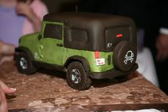 Grooms cake...LOVED!! Looked just like my husbands jeep!!!