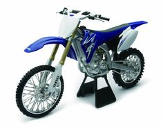 Licensed Replica Diecast of the Yamaha YZ450F 2009 Motorcross Dirt Bike 1:6 scale Die Cast Motorcycle New Ray http://www.amazon.co.uk/dp/B004VRIAEQ/ref=cm_sw_r_pi_dp_hzRqub1A89P2D