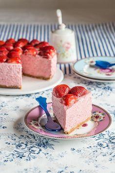 Tarta de mousse de fresas sin horno