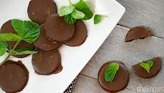 No baking required for these vegan Thin Mint-inspired cookies with only 3 ingredients (Can also use Nabisco Famous Chocolate Wafers)