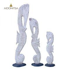 Ξύλινοι χειροποίητοι ιππόκαμποι (3 τμχ). Σε άσπρο αντικέ χρώμα. Από την Alphab2b.gr Objects, Decor, Decoration, Decorating, Deco