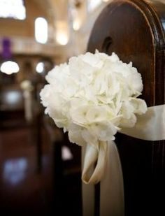 pew decor, hydrangeas, wedding flowers, ceremony decor,add pic source on comment and we will update it.