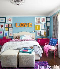 Bedroom, Love sign