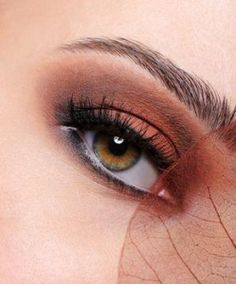 The 10 Best Eye shadow Colors for Hazel Eyes