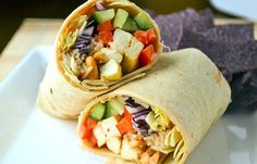 69 Quick Low-Calorie Lunches That Are Yummy To Eat 300 Calorie Lunches, No Calorie Foods, Low Calorie Recipes, Healthy Recipes, Healthy Lunches, Low Calorie Wrap, Healthy Foods, Healthy Eating, Work Lunches