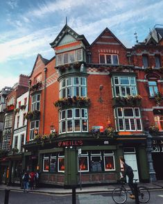"Dublin: ""Easily one of the most picturesque pubs in #DublinTown! Looking good, O'Neills Pub"