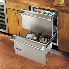 24 Refrigerated Drawers (VRDI) in Stainless Steel - Viking Range Corporation Loft Kitchen, Kitchen Pantry, New Kitchen, Kitchen Goods, Kitchen Ideas, Viking Appliances, Best Appliances, Kitchen Appliances, Commercial Appliances