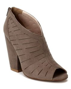 """Qupid Sawyer-03 Suede Slashed Peep Toe Chucky Heel Bootie - Taupe (Size: 9.0) Material: Faux Suede (man-made) Measurement (approx.): Heel 4.25"""" Shaft(w/heel) 7"""" Opening Circumference 11.25"""" Toe 2"""" Sole / Padding: Synthetic non-skid sole / cushioned foot bed with padded insole Fit: True to size Condition: Brand New with Shoe Box."""