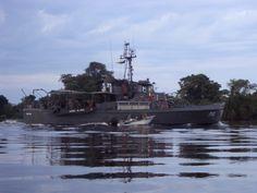 Barco Marinha do Brasil - Rio Paraguay divisa com Bolivia foto:Kp