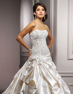 Check New Voguish Bridal Wedding Dresses