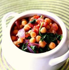 Spinach, Tomato & Chickpea Stew- The Kitchen Magpie All You Need Is, Turkey Soup From Carcass, Cabbage Soup Recipes, Hamburger Soup, Chickpea Stew, Cooking Recipes, Healthy Recipes, Roasted Turkey, Magpie