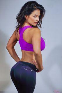 magazine-photoshoot : Enchanting Beauty  - Denise Milani Picture Moment