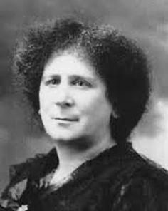 La matemática, física, ingeniera eléctrica e inventora Hertha Marks Ayrton (1854-1923) nació un 28 de abril.