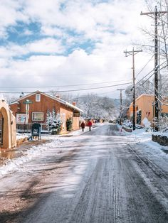 Warm Up in the Southwest: Why You Should Visit Santa Fe in the Winter Backpacking Europe, Europe Travel Tips, Packing Tips For Travel, Europe Packing, Traveling Europe, Packing Lists, Travel Deals, Travel Hacks, Travel Essentials