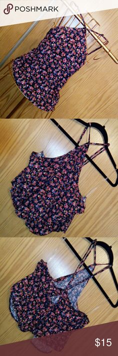 American Eagle Outfitters floral crop top American Eagle Outfitters floral crop top In size extra large Width 45 inches all around  Length 9 inches measuring from underarm to the end of seem. Never been worn Brand new but not with tags American Eagle Outfitters Tops