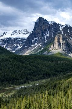 - Area: Valley of Ten Peaks, Alberta, Banff National Park - Scenery (left to right): Bident Mountain, Quadra Mountain, Mount Babel, and Tower of Babel - Entrance to Valley of Ten Peaks - Image taken i
