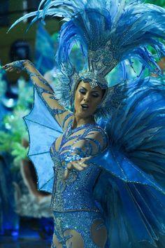 Samba Carnaval in Brazil Carnival Girl, Brazil Carnival, Trinidad Carnival, Caribbean Carnival, Carnival Fashion, Rio Carnival Costumes, Costume Carnaval, Brazil Costume, Dance Costumes