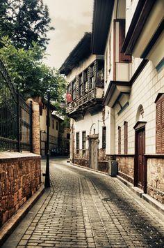 Kaleiçi/Muratpaşa/Antalya/// Kaleiçi, Antalya'nın Muratpaşa ilçesi sınırları içerisinde yer alan deniz ve kara surları tarafından kuşatılan kent merkezi'ne verilen isim'dir. Kaleiçi'nin sokakları ve yapıları Antalya tarihinin izlerini günümüze kadar getirmektedir.